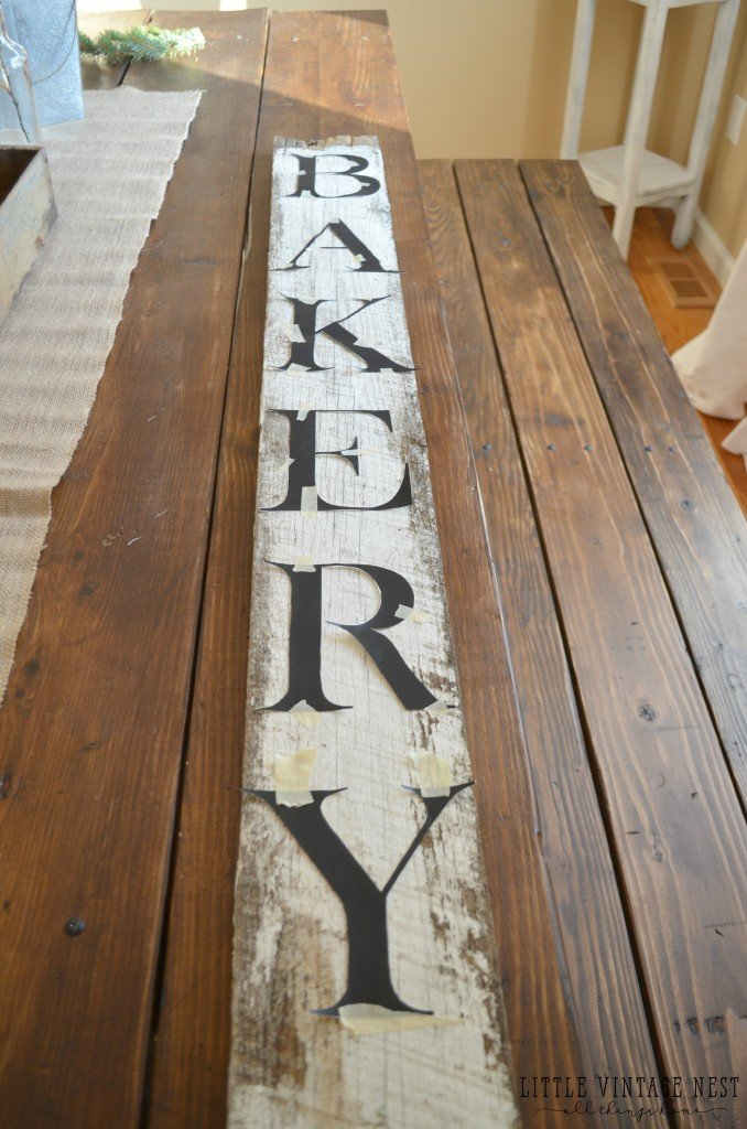 Simple and Easy DIY Bakery Sign