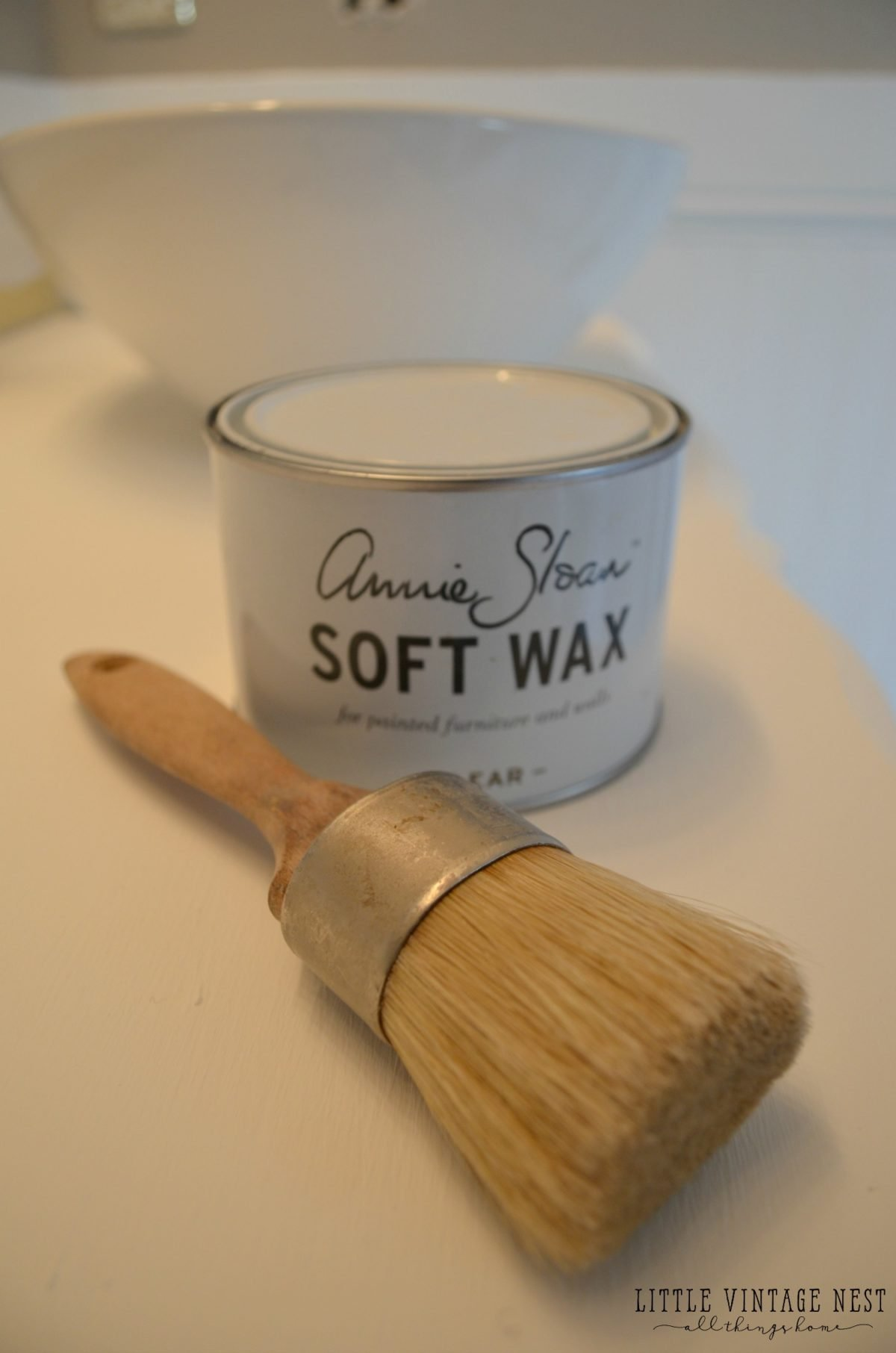 How to Use Annie Sloan Clear Wax plus tips and tricks
