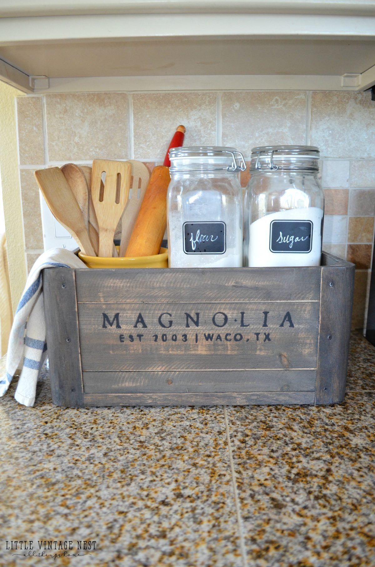 5 Ways to Style a Wooden Crate Farmhouse Kitchen Decor
