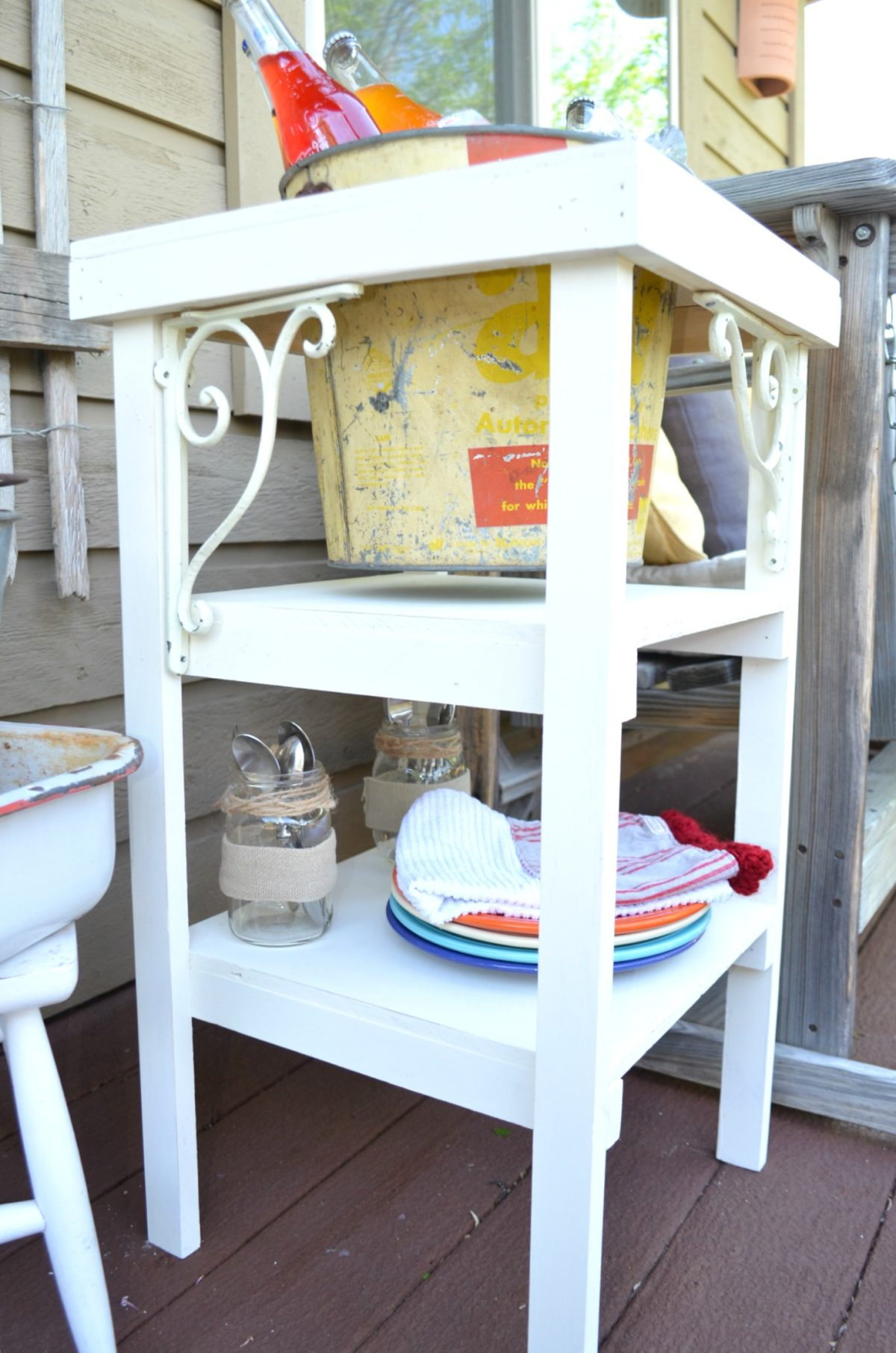 DIY Farmhouse Style Beverage Station