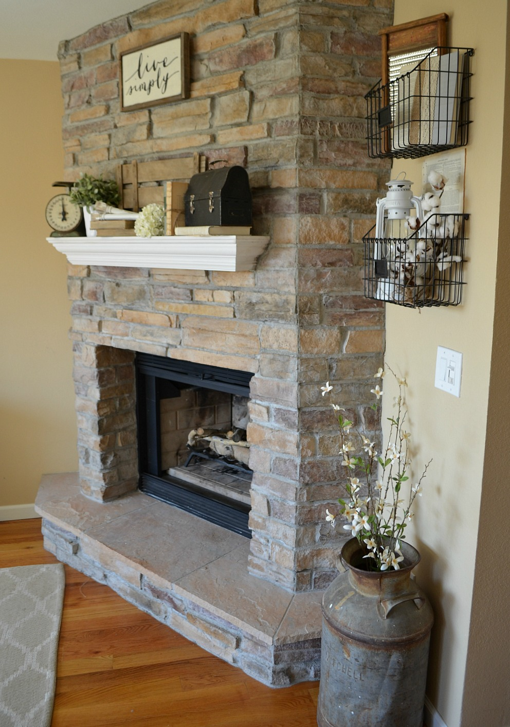 Tips for Decorating the Mantel--Vintage Farmhouse Decor