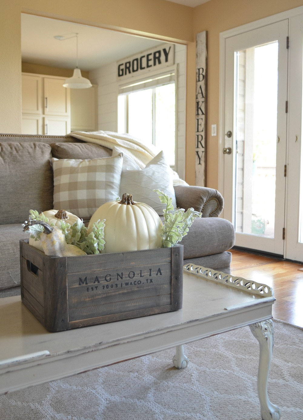 Cozy Farmhouse Fall Decor