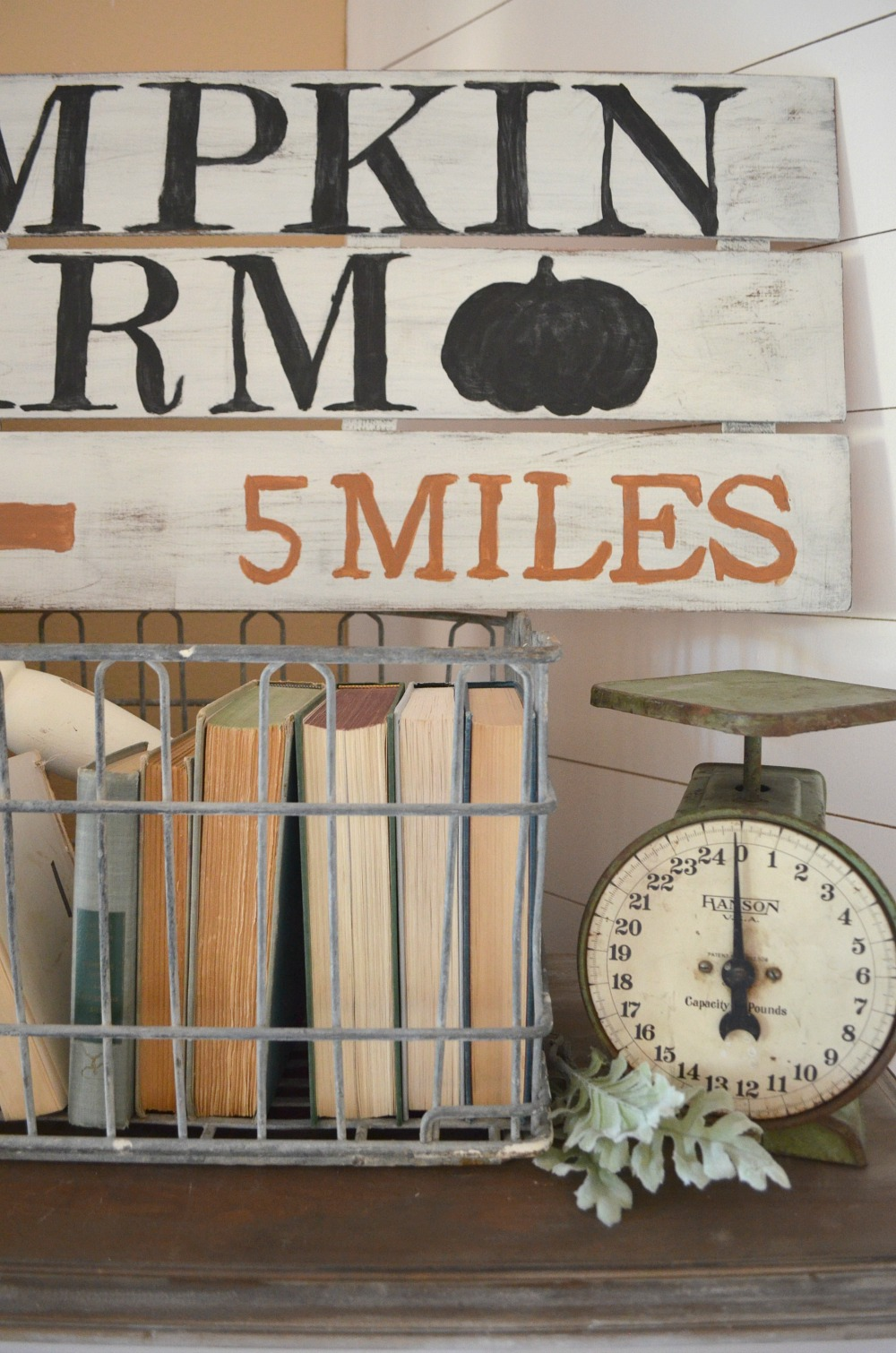 DIY Pumpkin Farm Sign