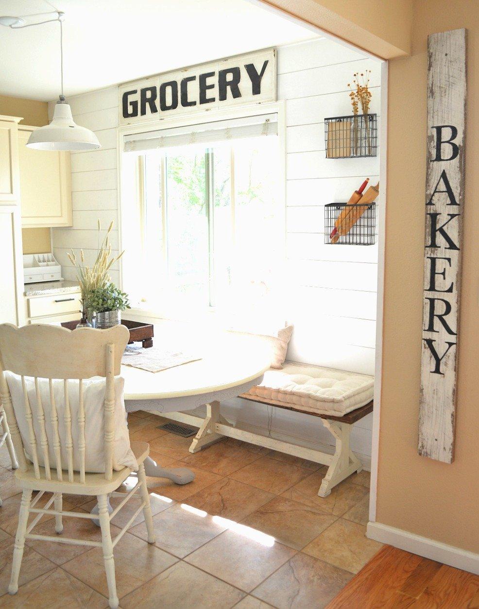Farmhouse Kitchen and Breakfast Nook