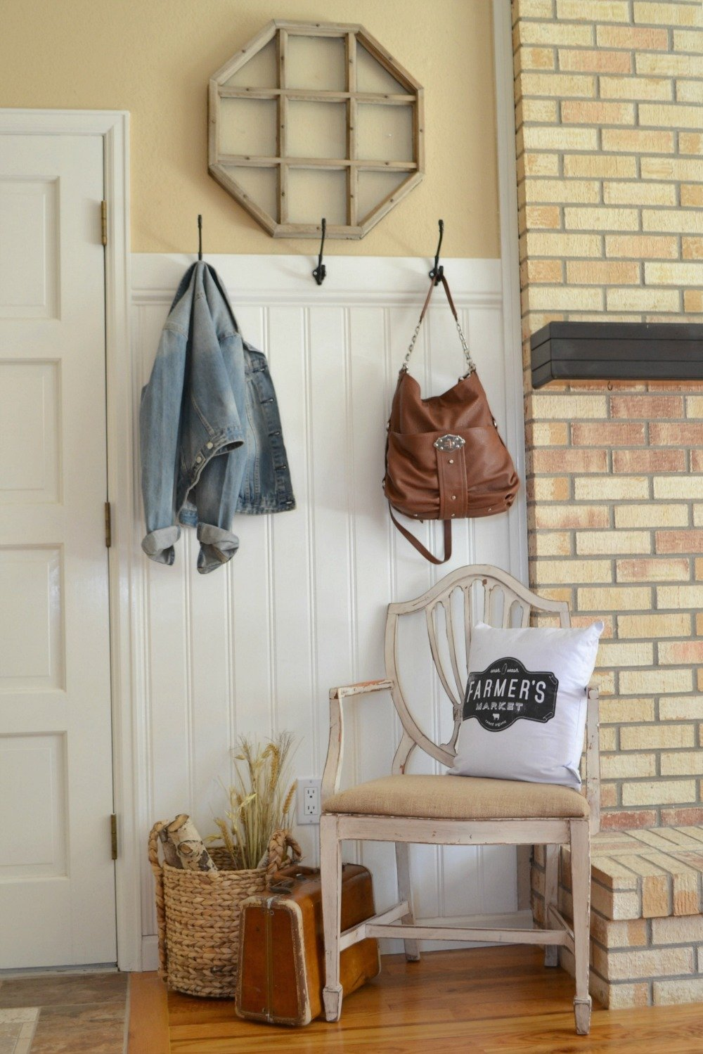 Quick Front Entryway Makeover