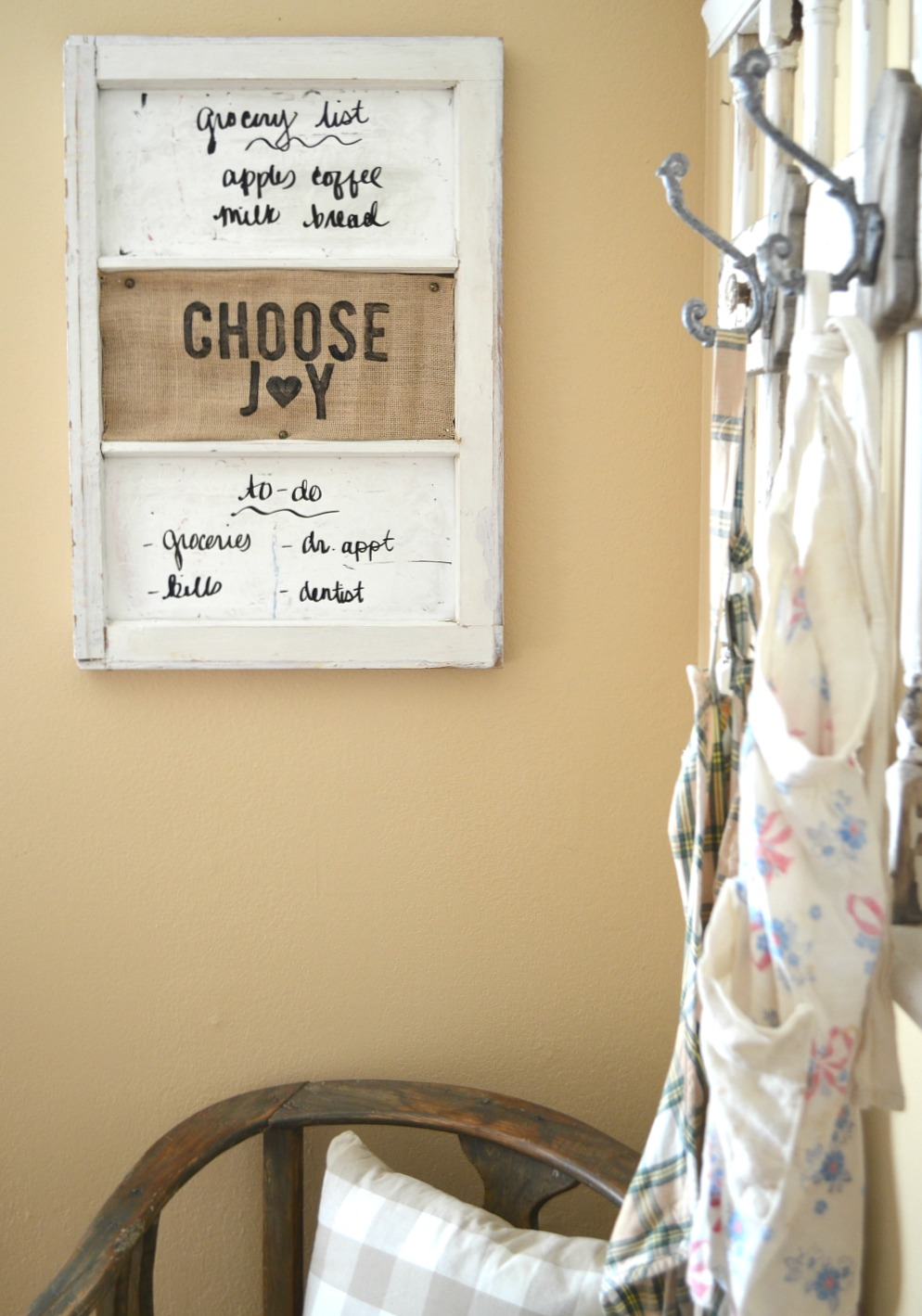 How to Make a Personalized Burlap Sign
