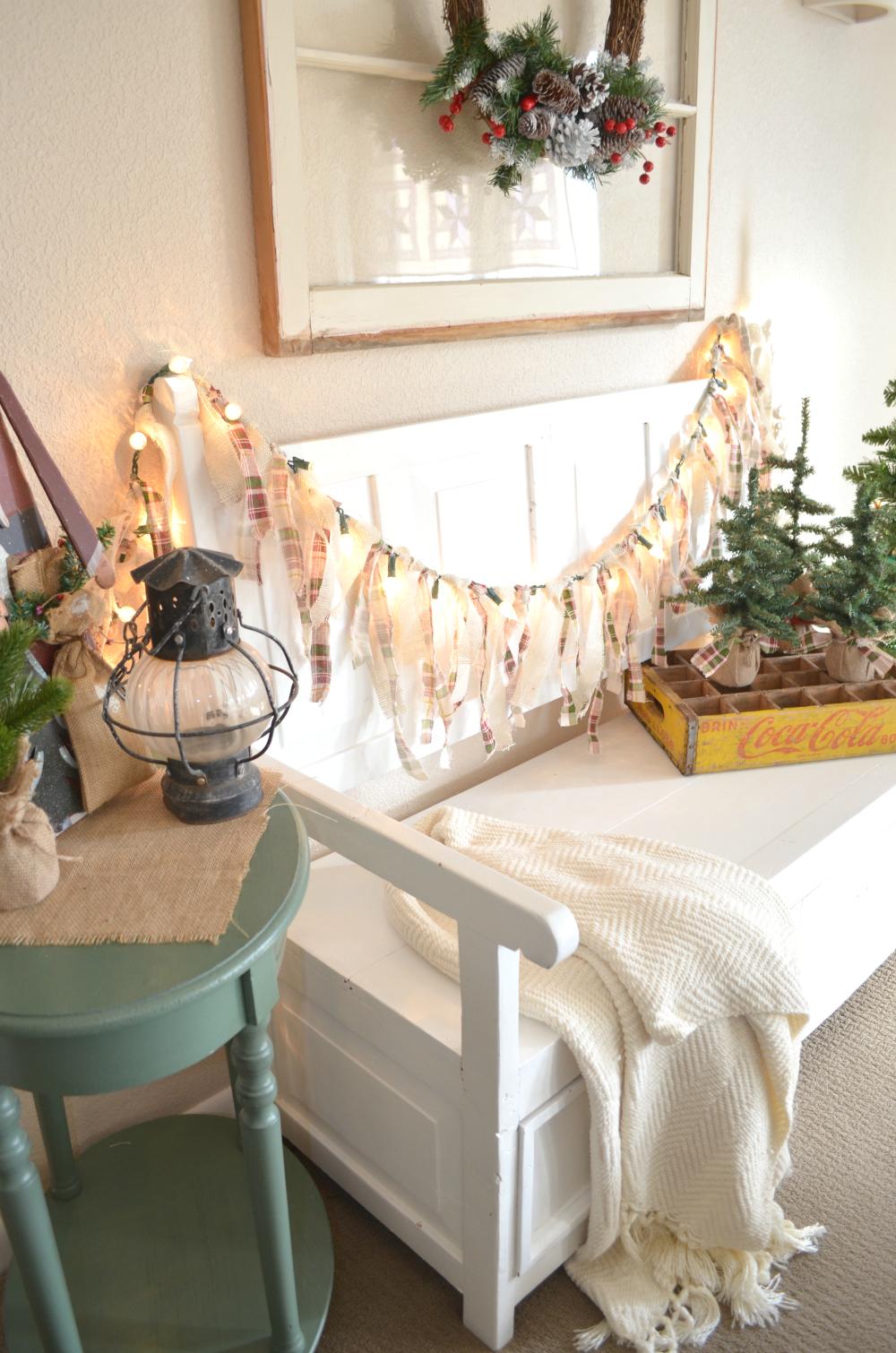 Easy Lighted Christmas Garland