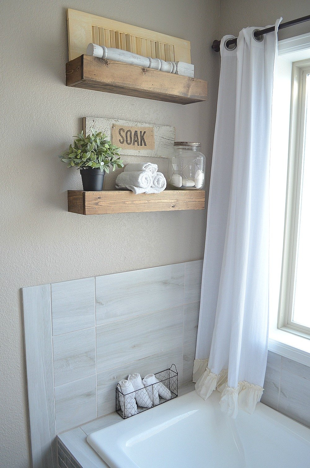Modern Farmhouse Bathroom Decor