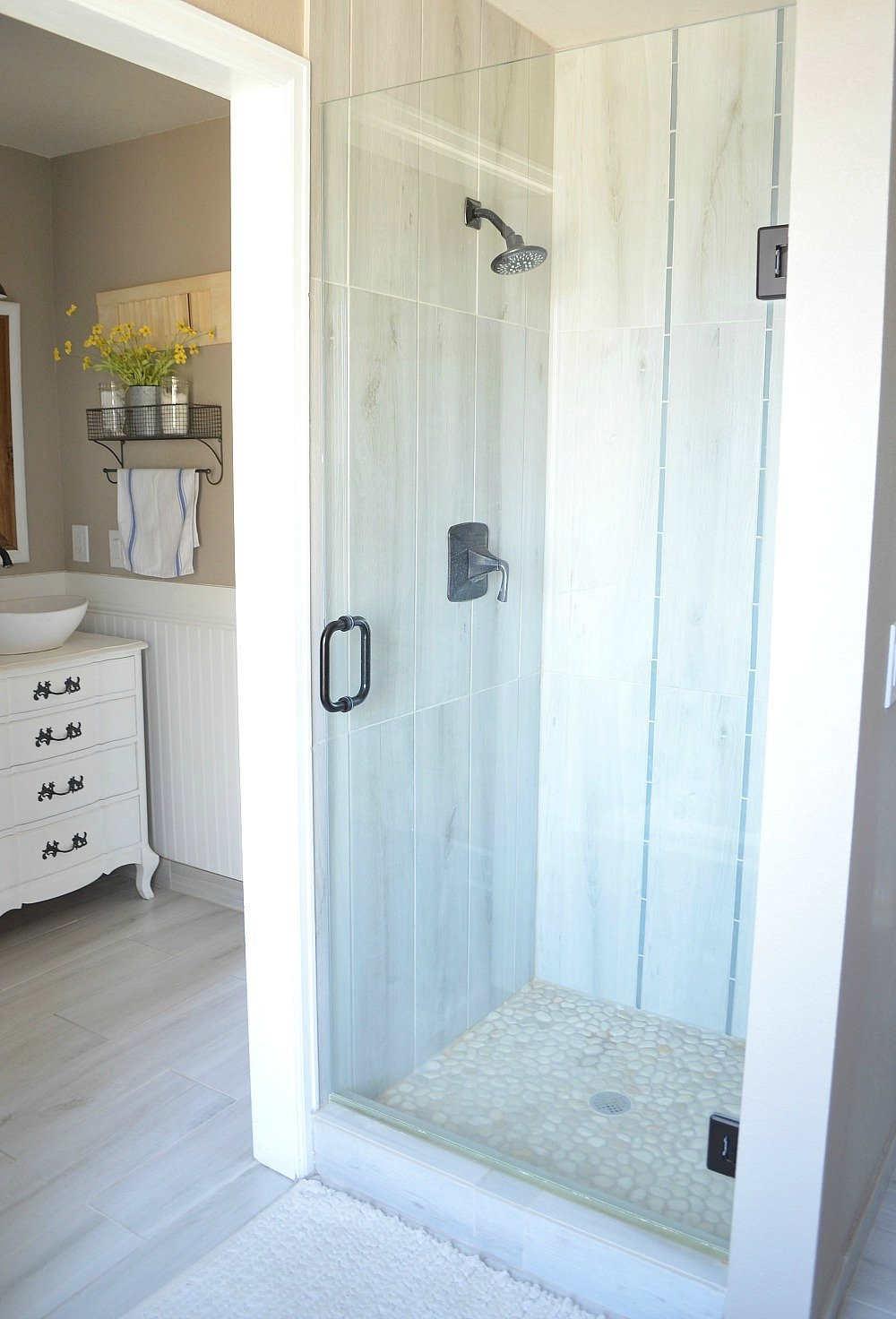 Modern Farmhouse Bathroom Shower