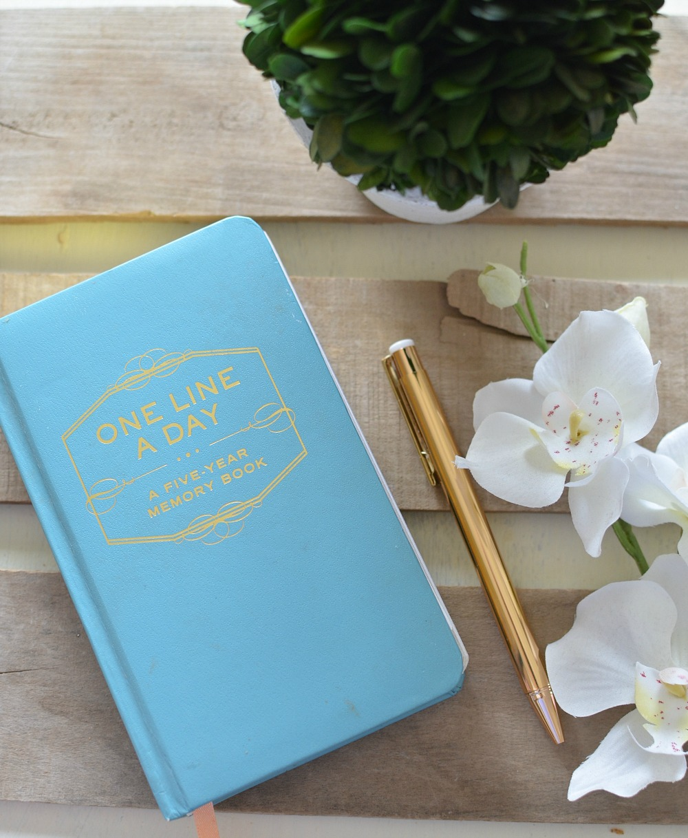 Friday Favorites: One Line a Day Memory Book for 5 Years