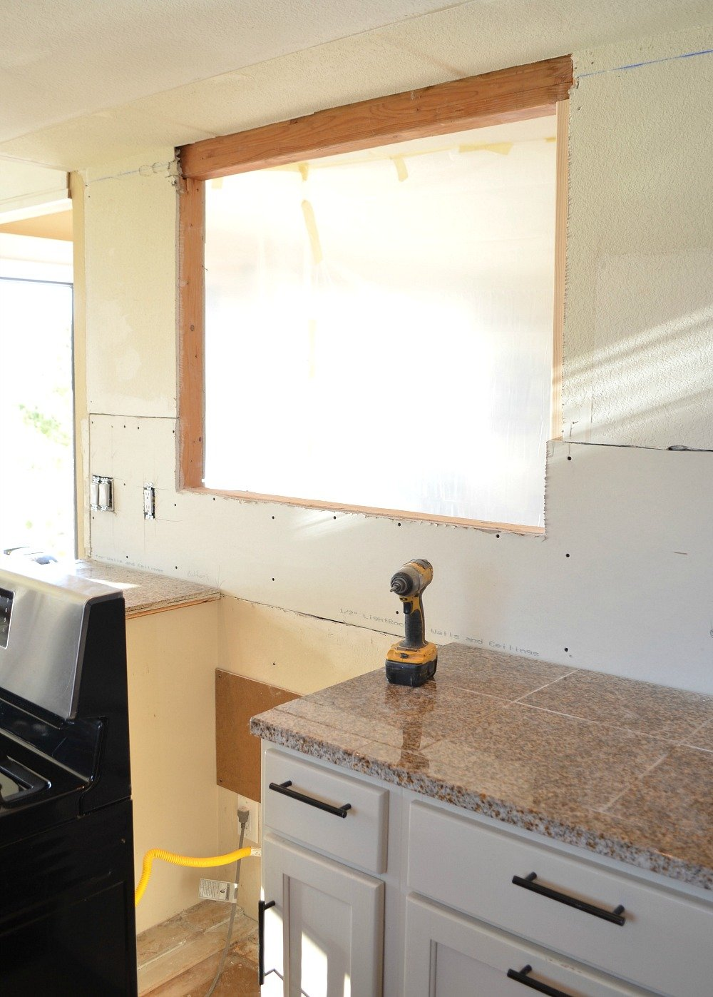 Kitchen Remodel Progress! Building a passthrough in a load bearing wall.