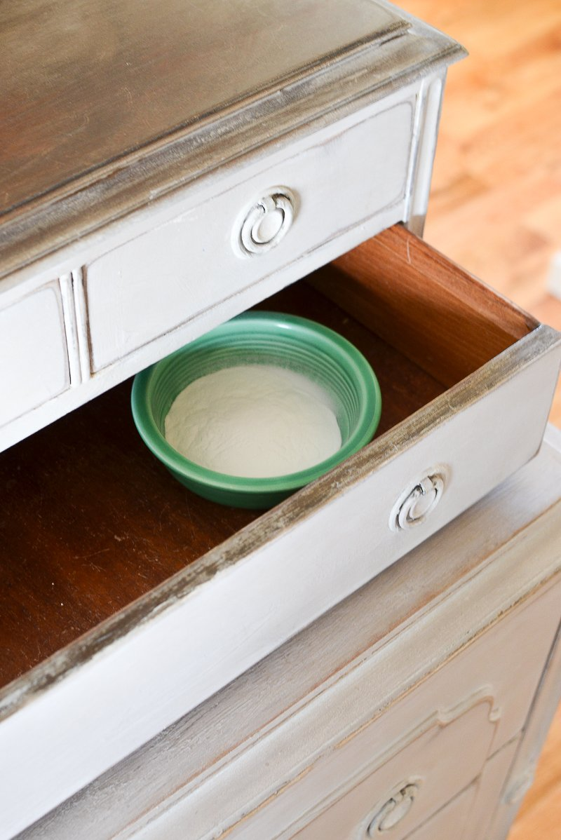 5 Ways to Remove that Musty Smell from Old Furniture