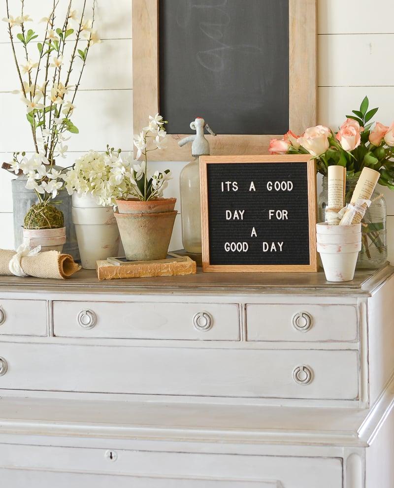 Friday Favorites: Vintage Inspired Letter Board