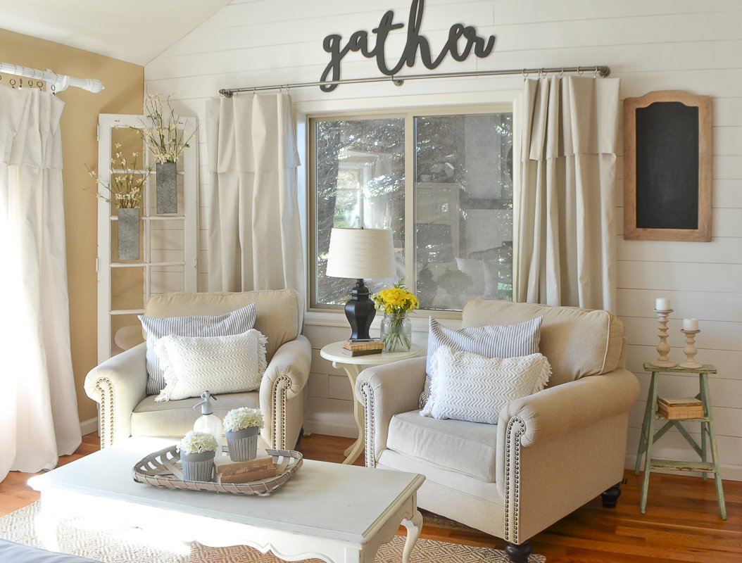 Farmhouse Style Front Room Makeover