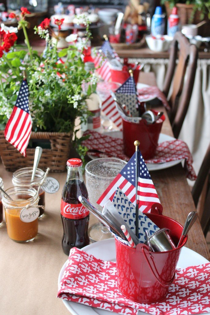 Simple 4th of July Decor Ideas with Farmhouse Style