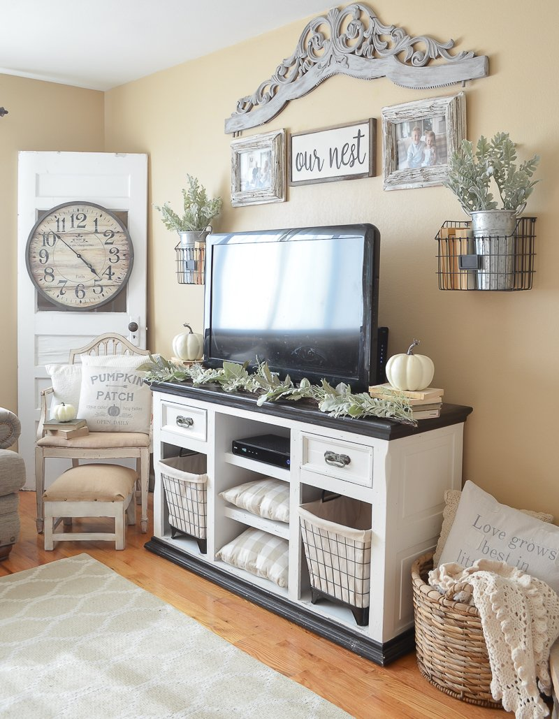 3 Simple Tips to Decorate for Fall on a Budget