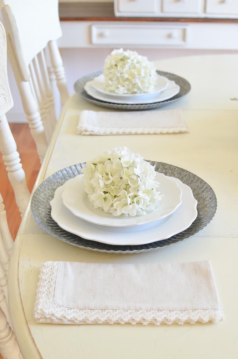 farmhouse style table setting