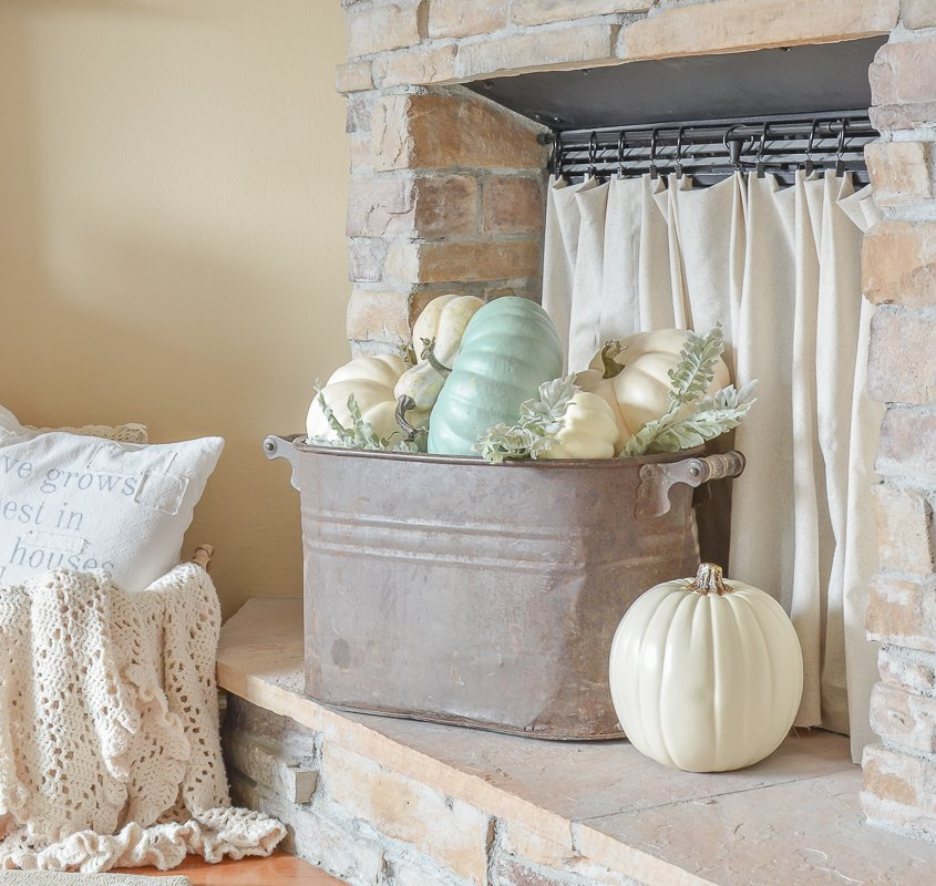 Simple farmhouse style fall decor in the living room