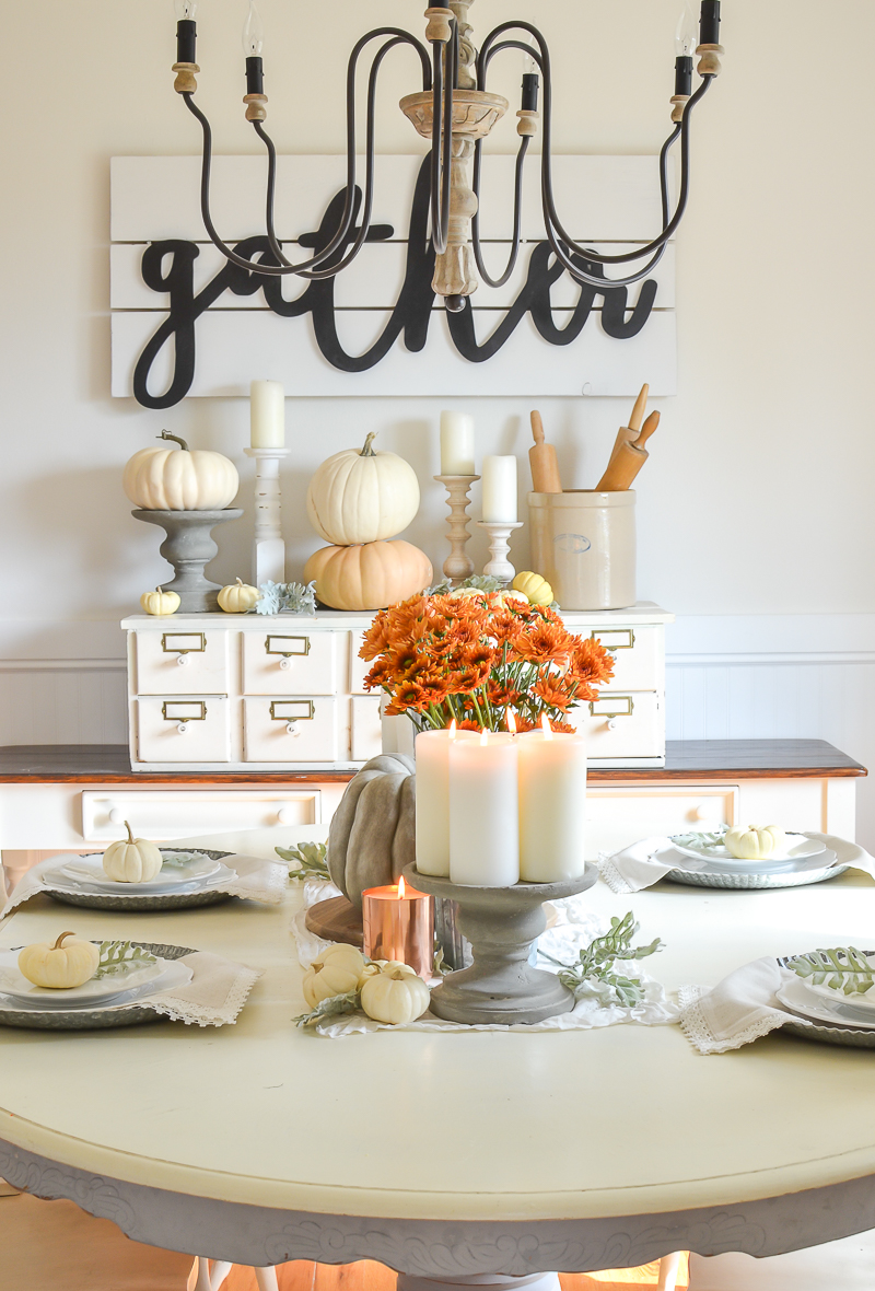 Easy Farmhouse Style Fall Table and Dining Room Decor
