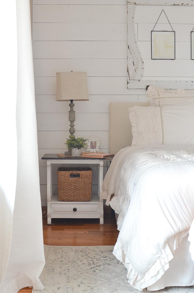 Farmhouse Bedroom Updates