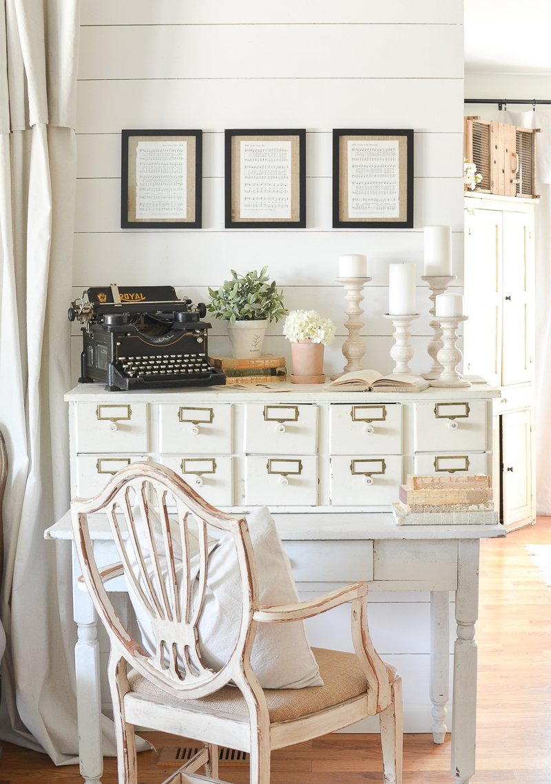 Farmhouse style decor with antique typewriter.