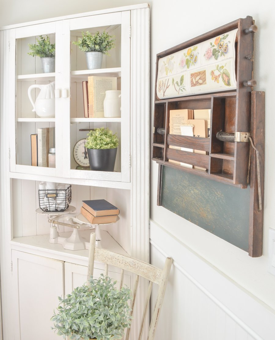 The Coolest Vintage Find Ever! Farmhouse style dining room decor with a vintage child's desk.