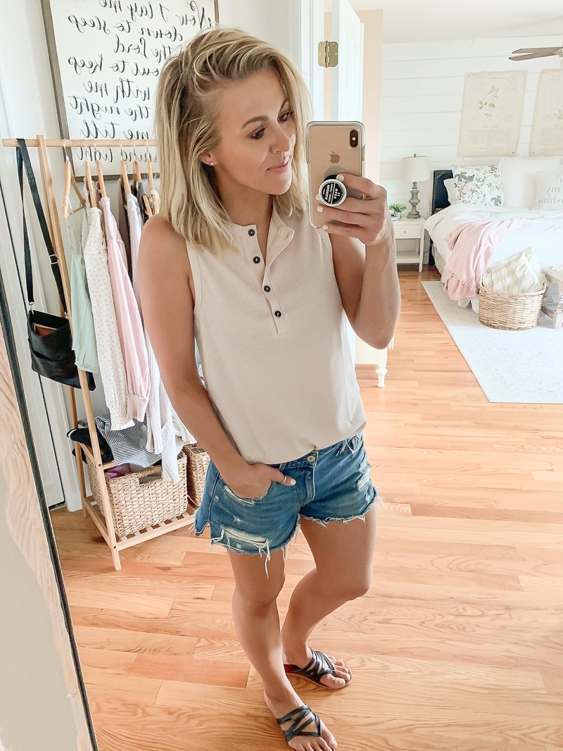 Summer clothing haul from Amazon. Cute and casual summer outfit ideas from Amazon.
