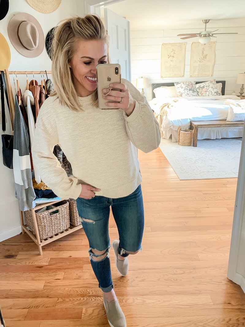Five Finds Under $20 From Walmart. Casual and affordable outfit ideas.